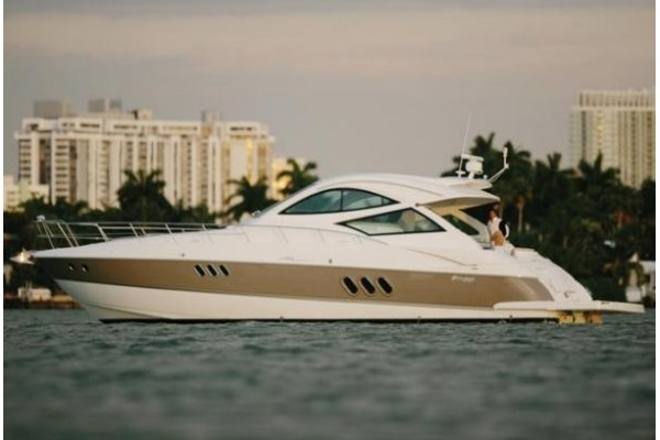 """52' CRUISERS YACHTS 520 SPORTS COUPE (2008) """"BLUE CHEER"""""""