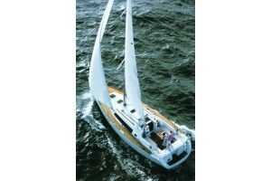 37' BENETEAU SAILBOAT CHARTER