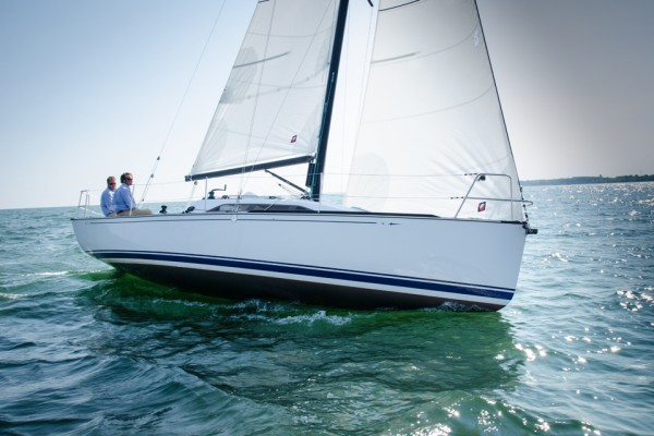 33' TARTAN 101 (2016) *DEALER DEMO FOR SALE*OFF MARKET