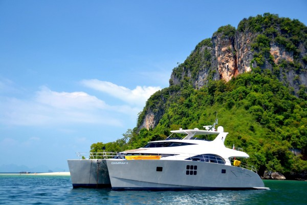 "70' SUNREEF 70 POWER CATAMARAN (2011) ""ENCLAVE"" (""DAMRAK"") OFF MARKET"