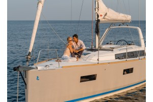 "38' BENETEAU OCEANIS 38 (2015) ""SAIL-A-WAY"""