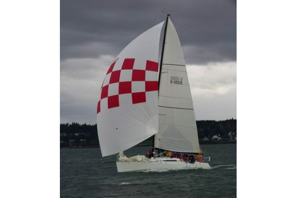 33' SYNERGY 1000 PERFORMANCE RACING SAILBOAT (1999) *RESTORED*