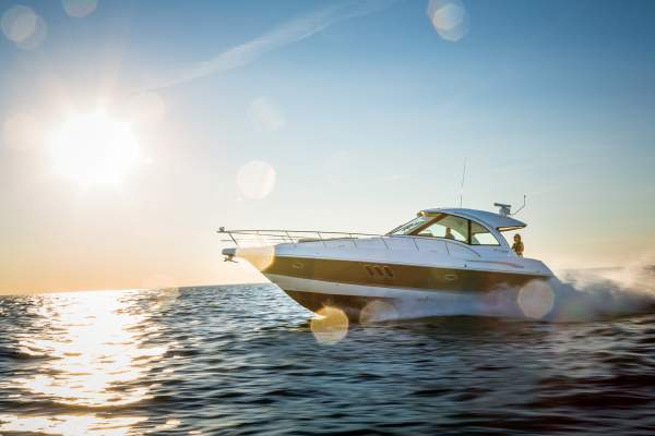 43' CRUISERS YACHTS 430 SPORTS COUPE (2013) OFF MARKET