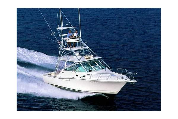 35' CABO 35 EXPRESS (2000) OFF MARKET