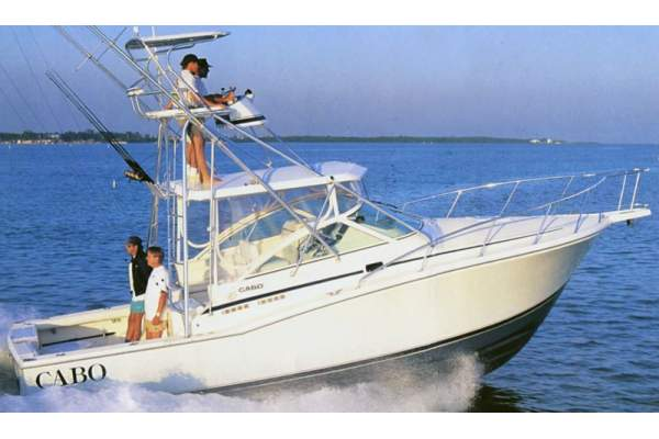 31' CABO 31 EXPRESS (1999) OFF MARKET