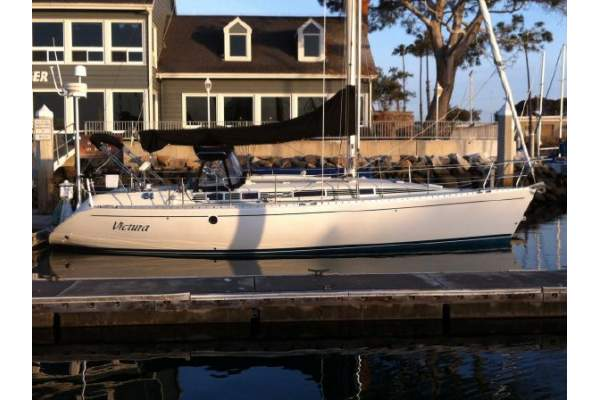 """38' BENETEAU 38 (1991) """"VICTURA"""" SOLD!"""