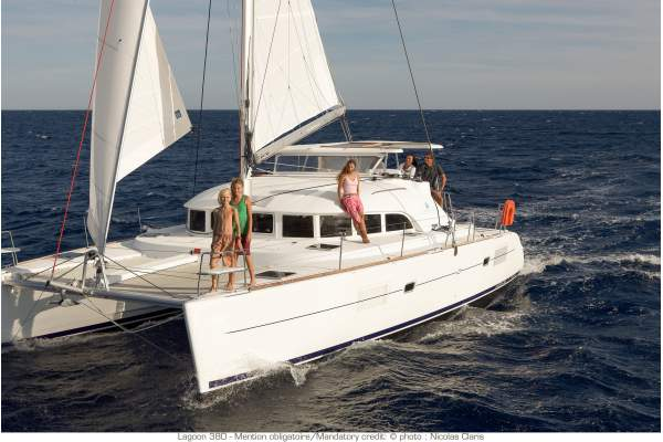 "38' LAGOON 380 CATAMARAN (2015) ""SEA BOSSE"""