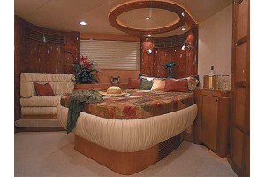 65' MCKINNA 65 PILOTHOUSE (2002)
