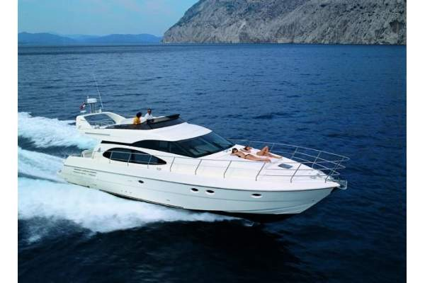 "58' AZIMUT FLYBRIDGE COCKPIT MY (2002) ""CIAO BELLA"""