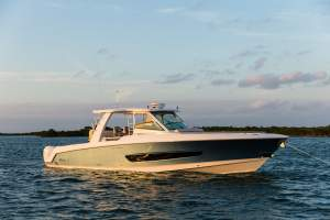 42' BOSTON WHALER 420 OUTRAGE (2018) *1/3 OWNERSHIP*