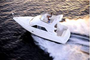 35' CRUISERS YACHTS 3580 FLYBRIDGE (2000) OFF MARKET