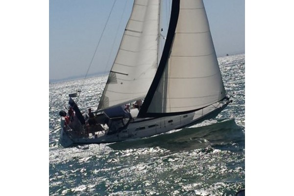 32'-48' LUXURY SAILBOAT CHARTERS