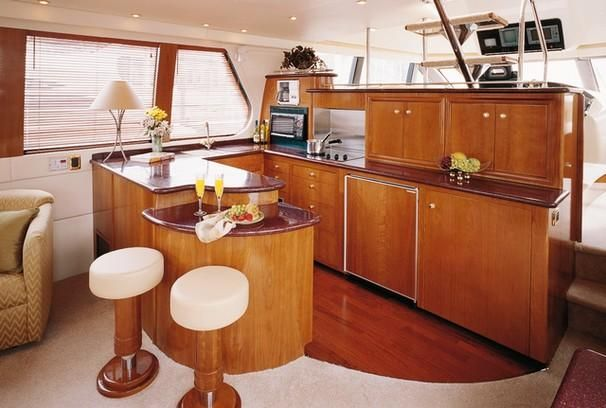 2003 Carver 570 Voyager Galley