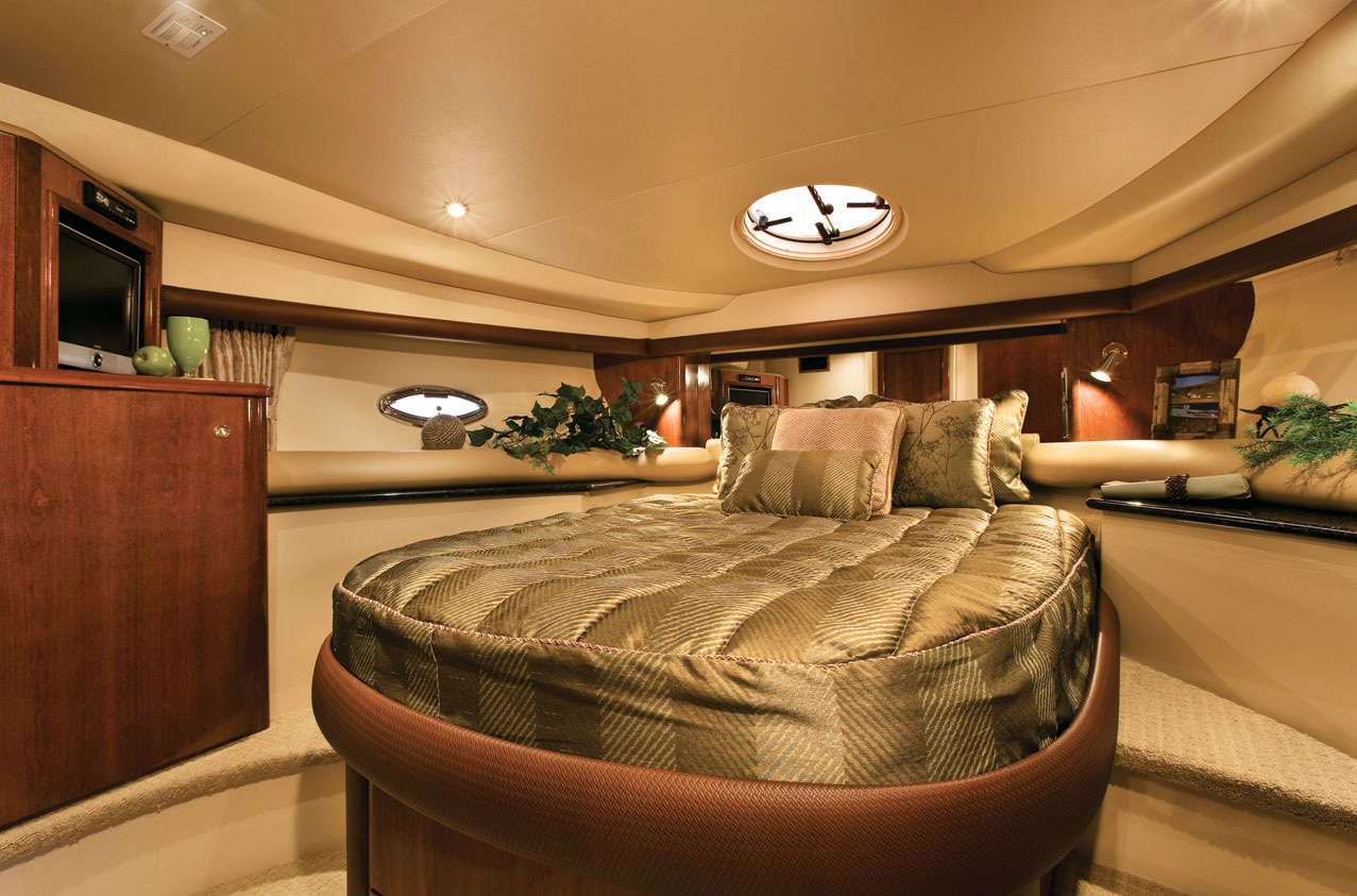 Meridian 459 Guest Stateroom