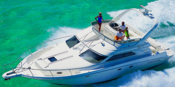 Sea Ray 450 Express Bridge Review - POSITIVE FORCE