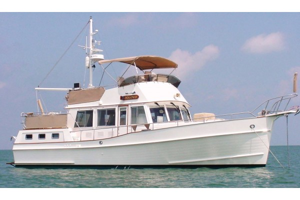 "42' GRAND BANKS 42 MOTOR YACHT (2002) ""ALOHA SPIRIT"" OFF MARKET"