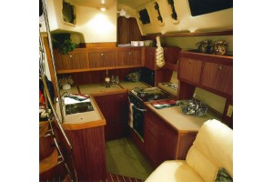 45' Hunter 450 Passage Center Cockpit (1998)