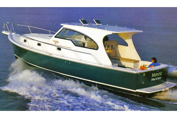 34' MAINSHIP 34 PILOT EXPRESS (2000) OFF MARKET