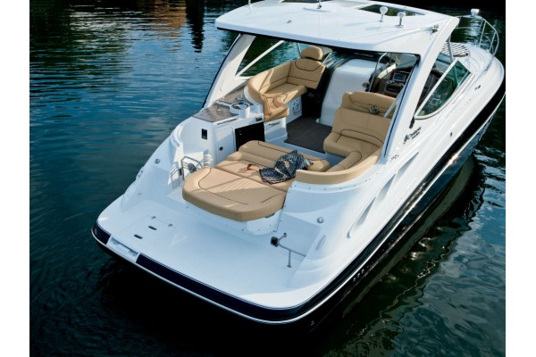 "35' CRUISERS YACHTS 35 EXPRESS (2016) ""ESCAPE"" OFF MARKET"
