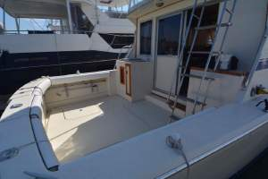1985 38' CHRIS-CRAFT 382 COMMANDER for sale in Dana Point