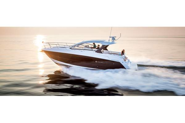 """39' CRUISERS YACHTS 39 EXPRESS COUPE (2017) """"DOWN TO EARTH"""""""