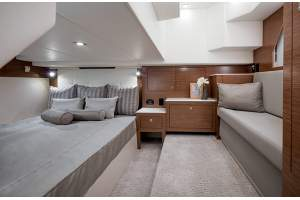 39' CRUISERS YACHTS 39 EXPRESS COUPE (2017)