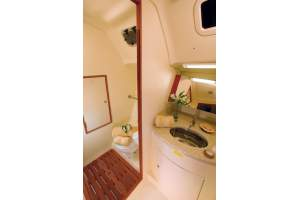 "36' HUNTER e36 (2012) ""LYDIE"" *LLC* *HYBRID ELECTRIC*"