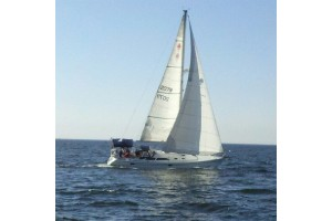 "36' CATALINA SAILBOAT CHARTER ""MOODY BLUE"""