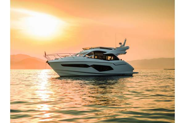 "52' SUNSEEKER MANHATTAN 52 (2018) ""TIME"" *LLC*"
