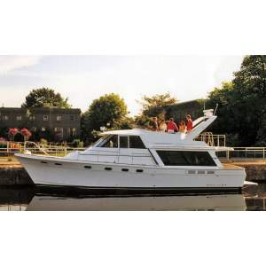 Bayliner boats for Sale - Dick Simon Yachts | Boats for Sale