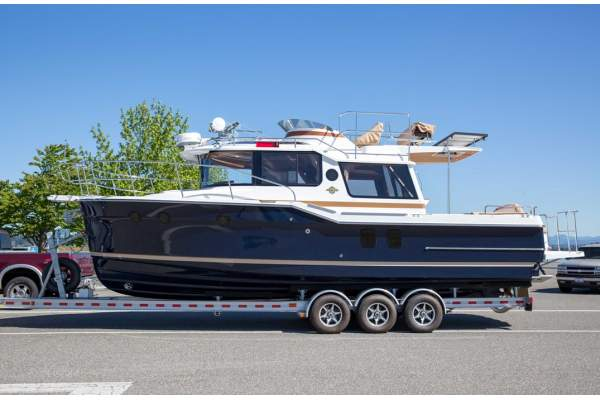 29' RANGER TUG R29 CB (COMMAND BRIDGE) (2018) *WARRANTY*