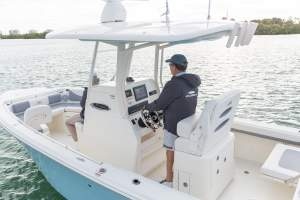 24' COBIA 240CC CENTER CONSOLE (2018)