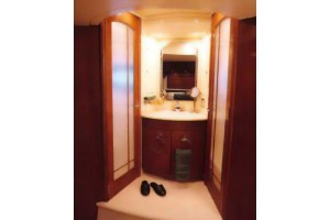 53' CARVER 530 VOYAGER PILOTHOUSE (2001)