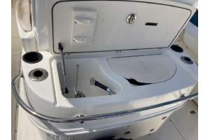 32' BOSTON WHALER 320 OUTRAGE (2007)