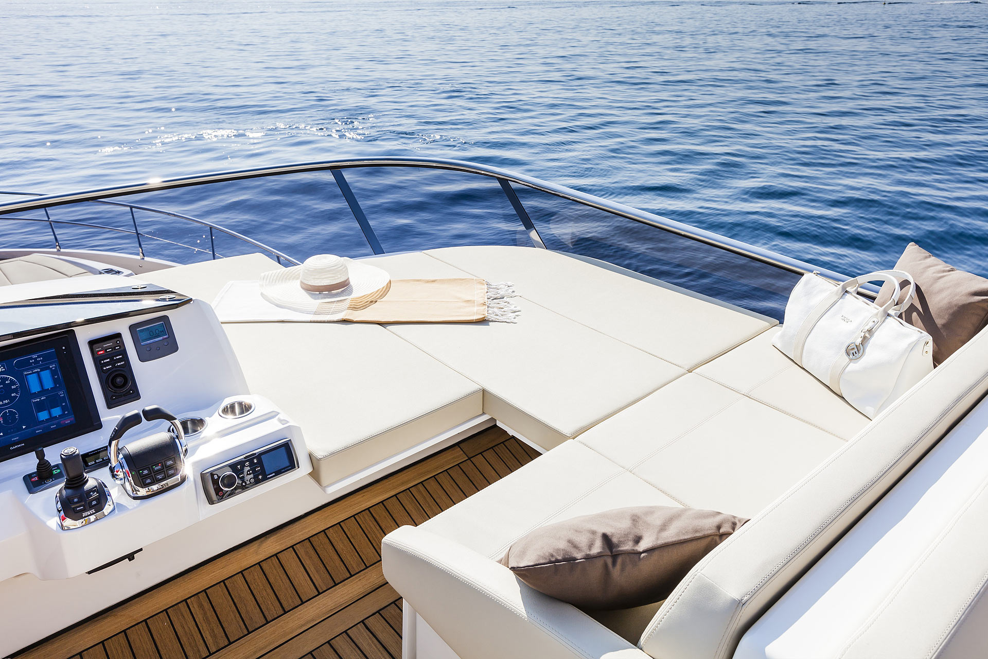 Absolute 60 Fly Luxury Yacht Flybridge Helm