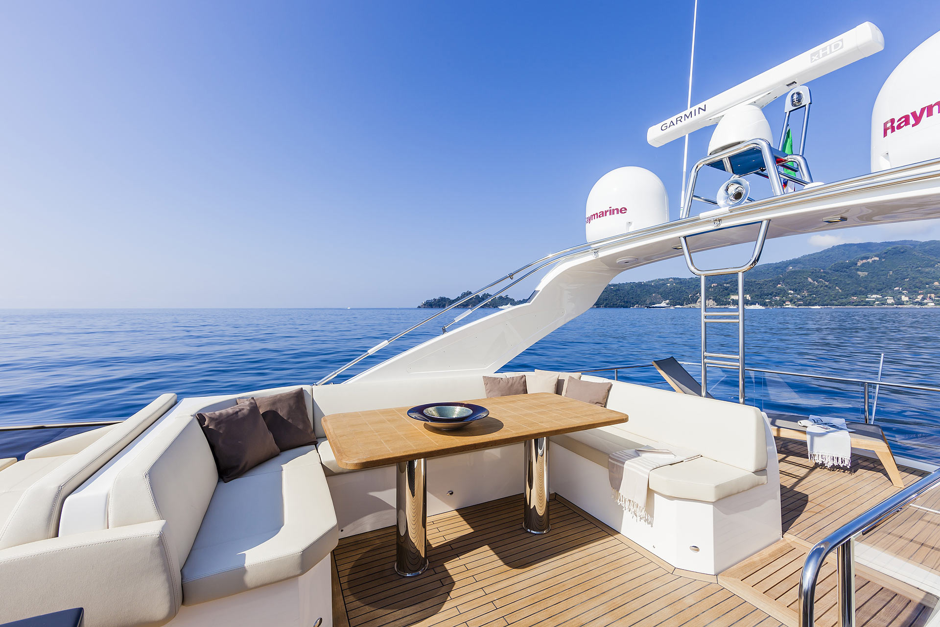 Absolute 60 Fly Luxury Yacht Flybridge
