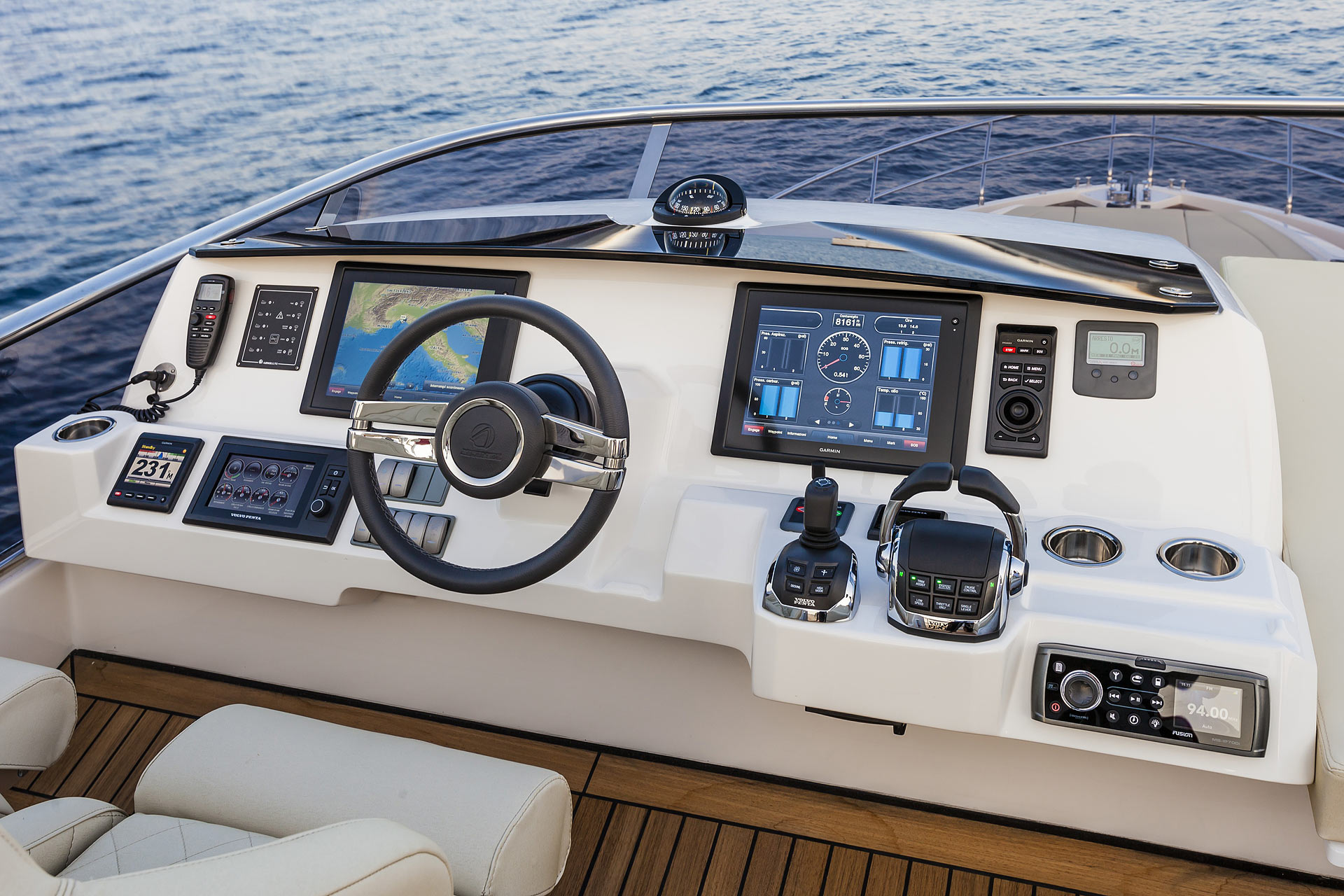 2015 Absolute 60 Fly Luxury Yacht Flybridge