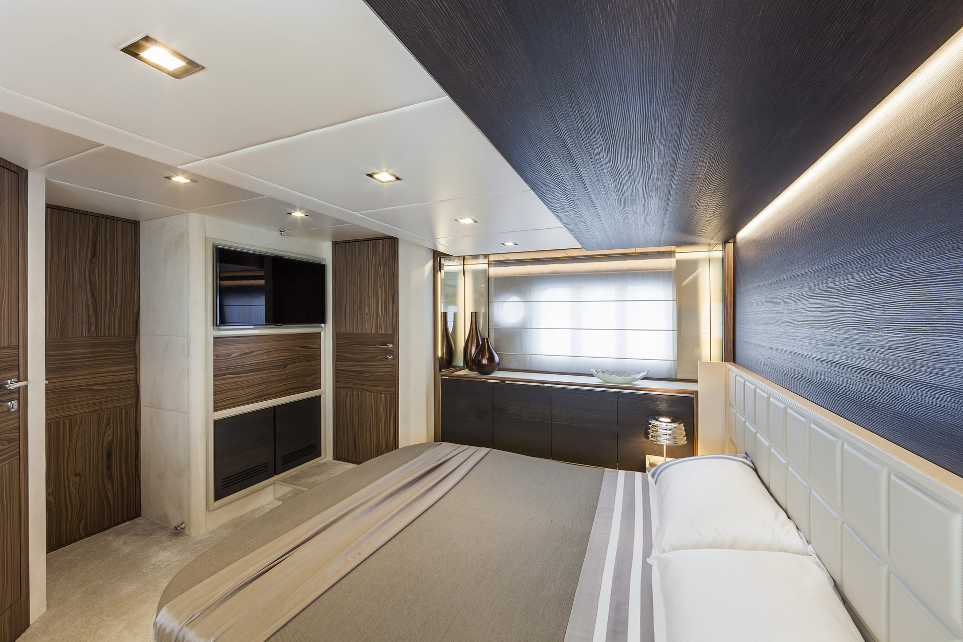 Absolute 60 Fly Luxury Yacht Guest Stateroom