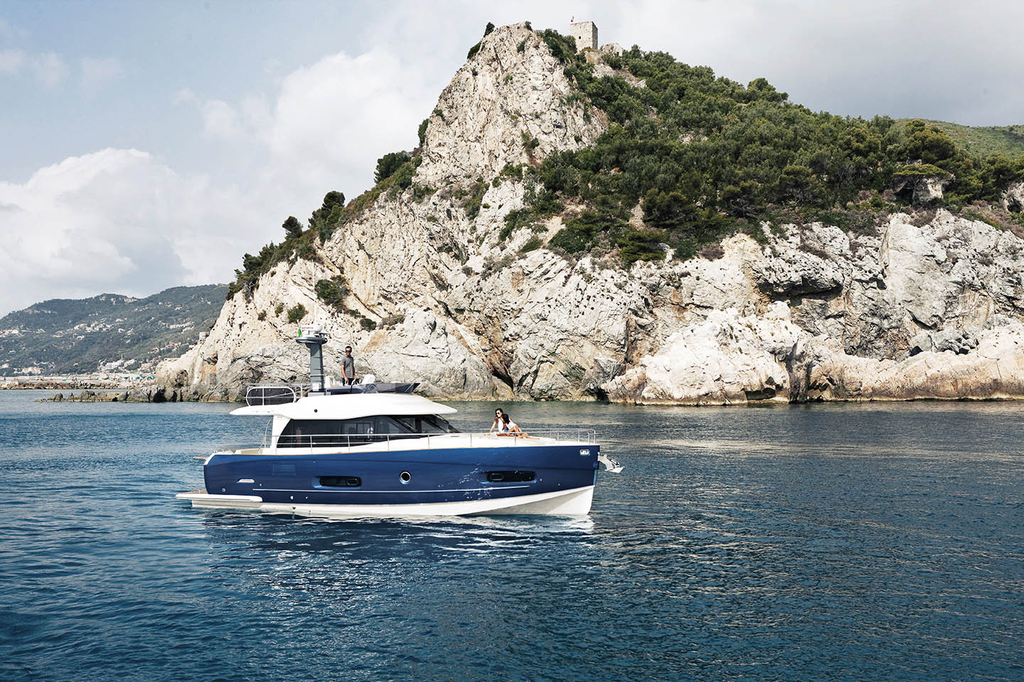 Azimut 43 Magellano Yacht at Sea