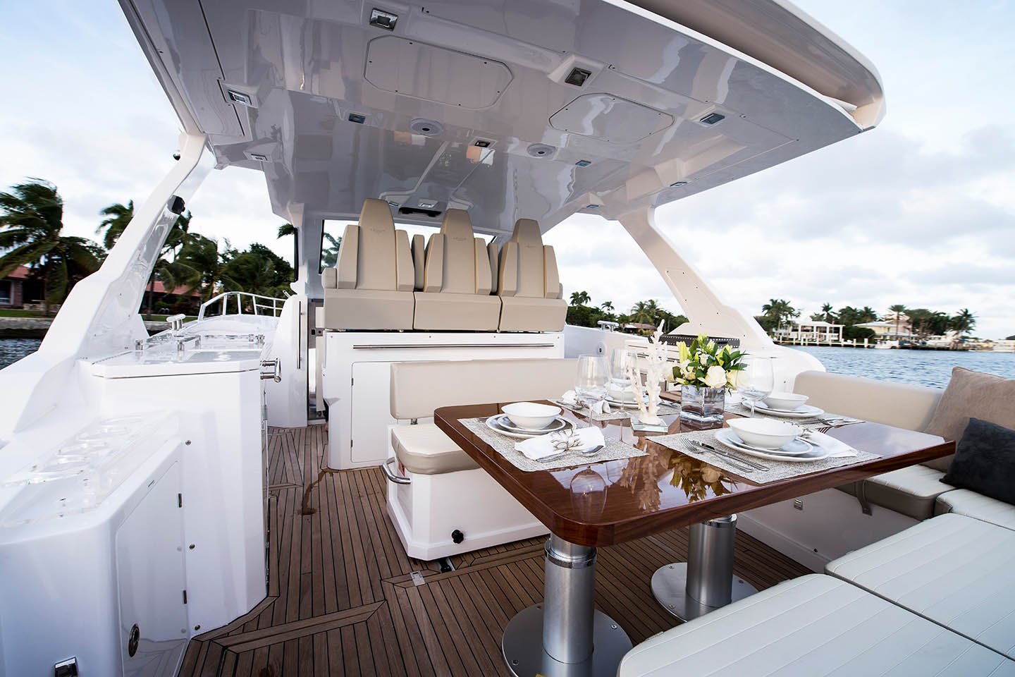 Azimut 40 Verve Luxury Yacht for sale