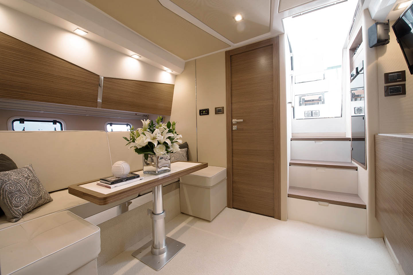 Azimut 40 Verve Interior Salon