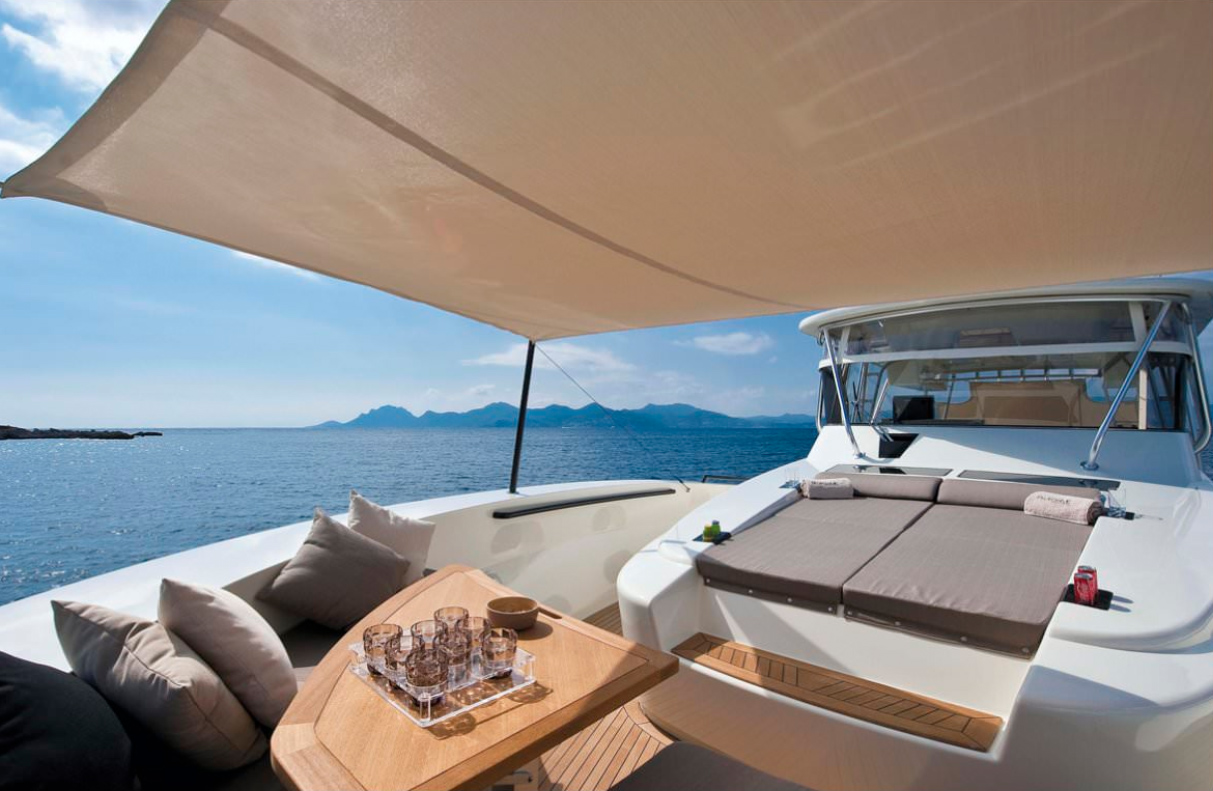Bluegame 60 Yacht Deck
