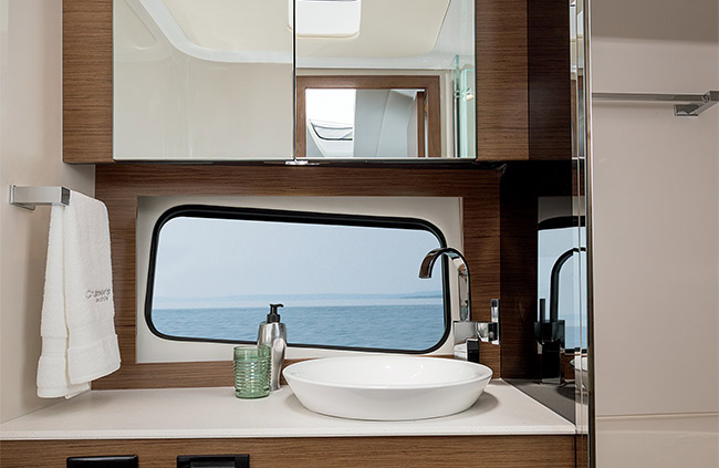 Cruisers Yachts 39 Express Coupe Head Bathroom