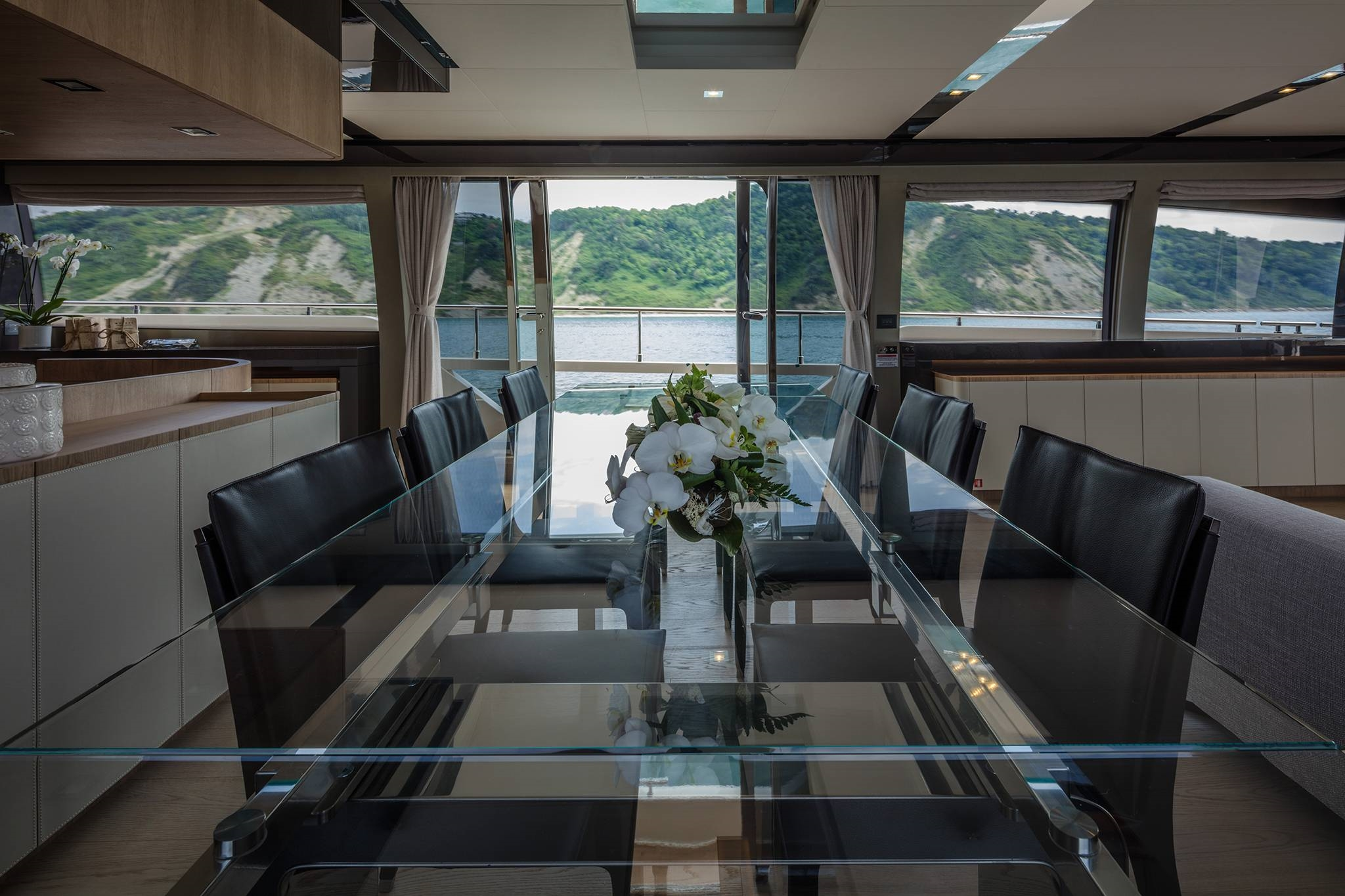 2016 Ferretti Yachts 960 Luxury Yacht Dining Table
