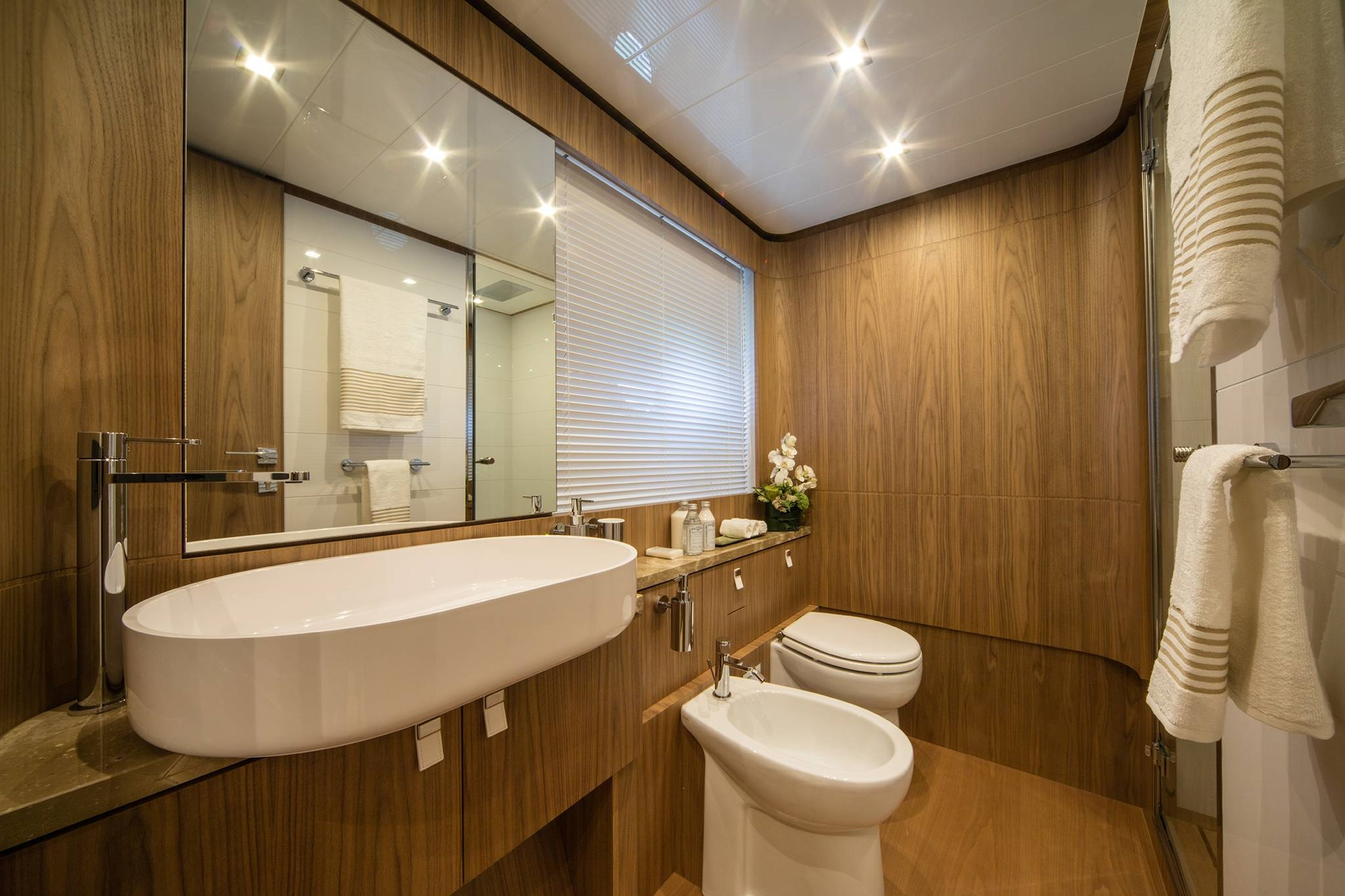 2016 Ferretti Megayacht Head Bathroom
