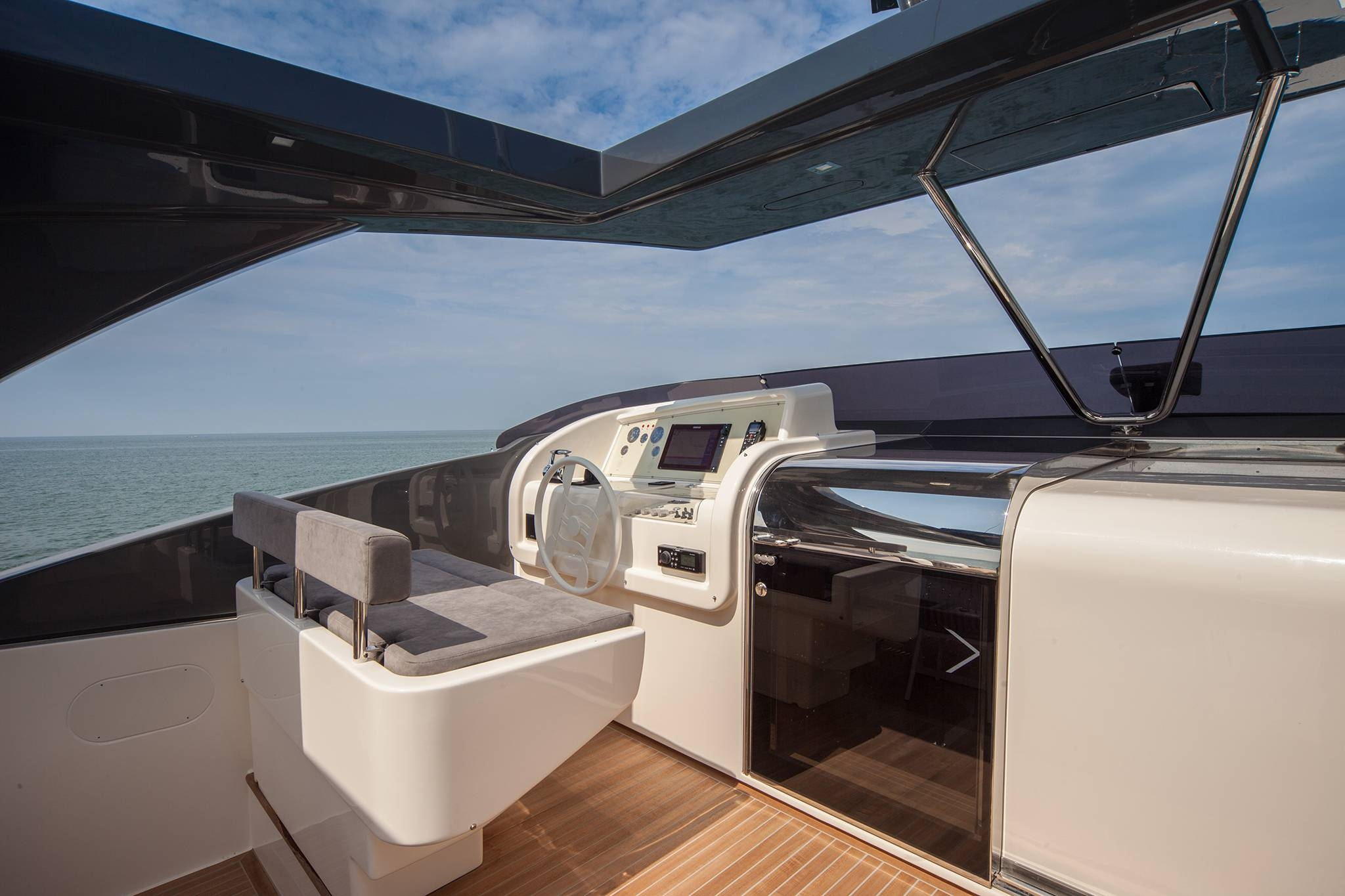 2016 Ferretti Yachts 960 Flybridge Seating