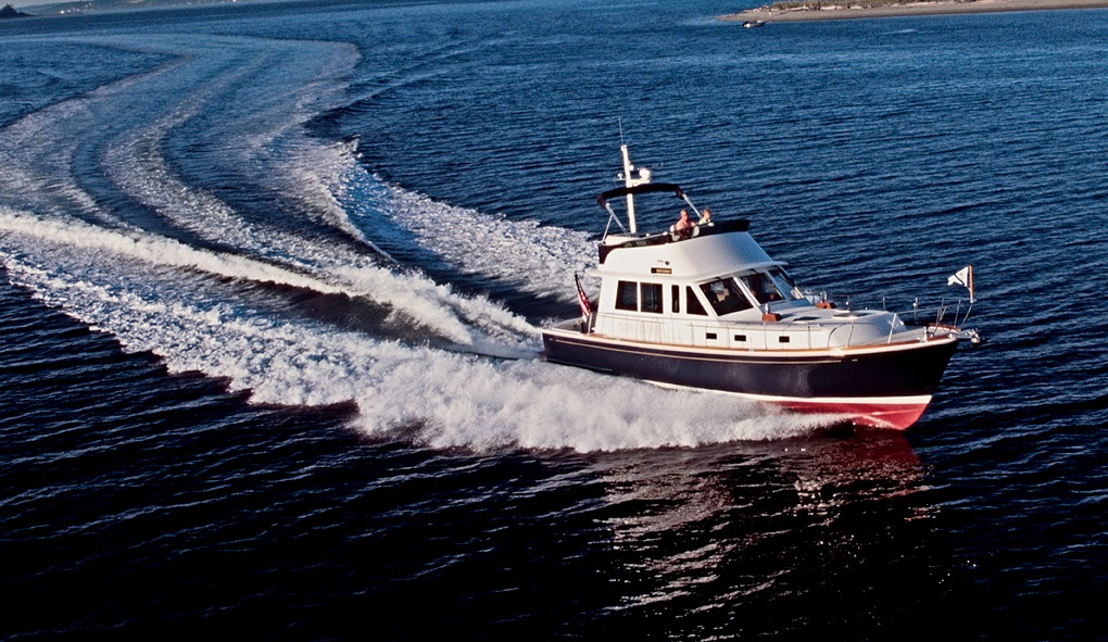 Grand Banks Eastbay 47FB Yacht for sale