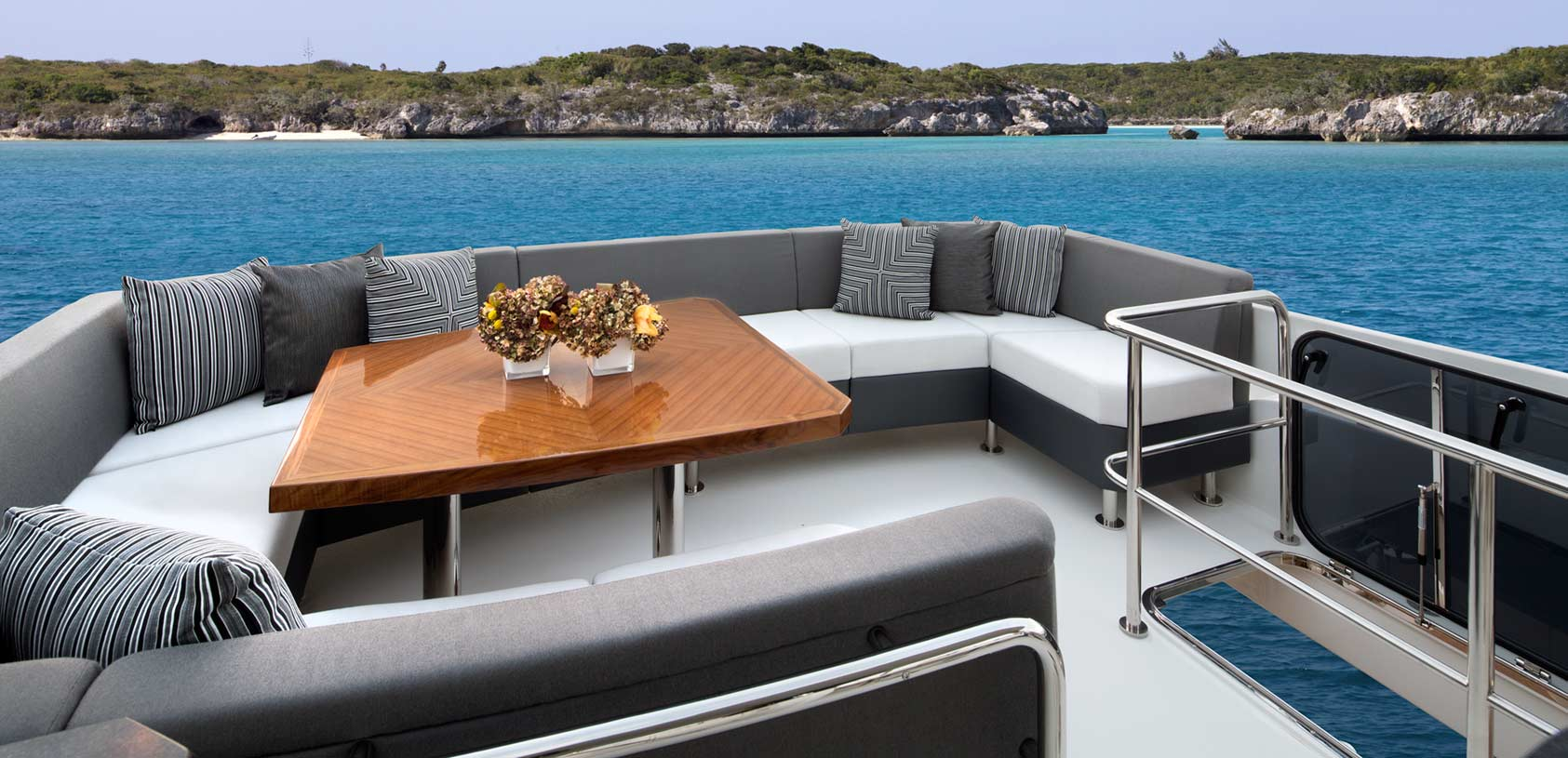 Ocean Alexander 70e Flybridge View