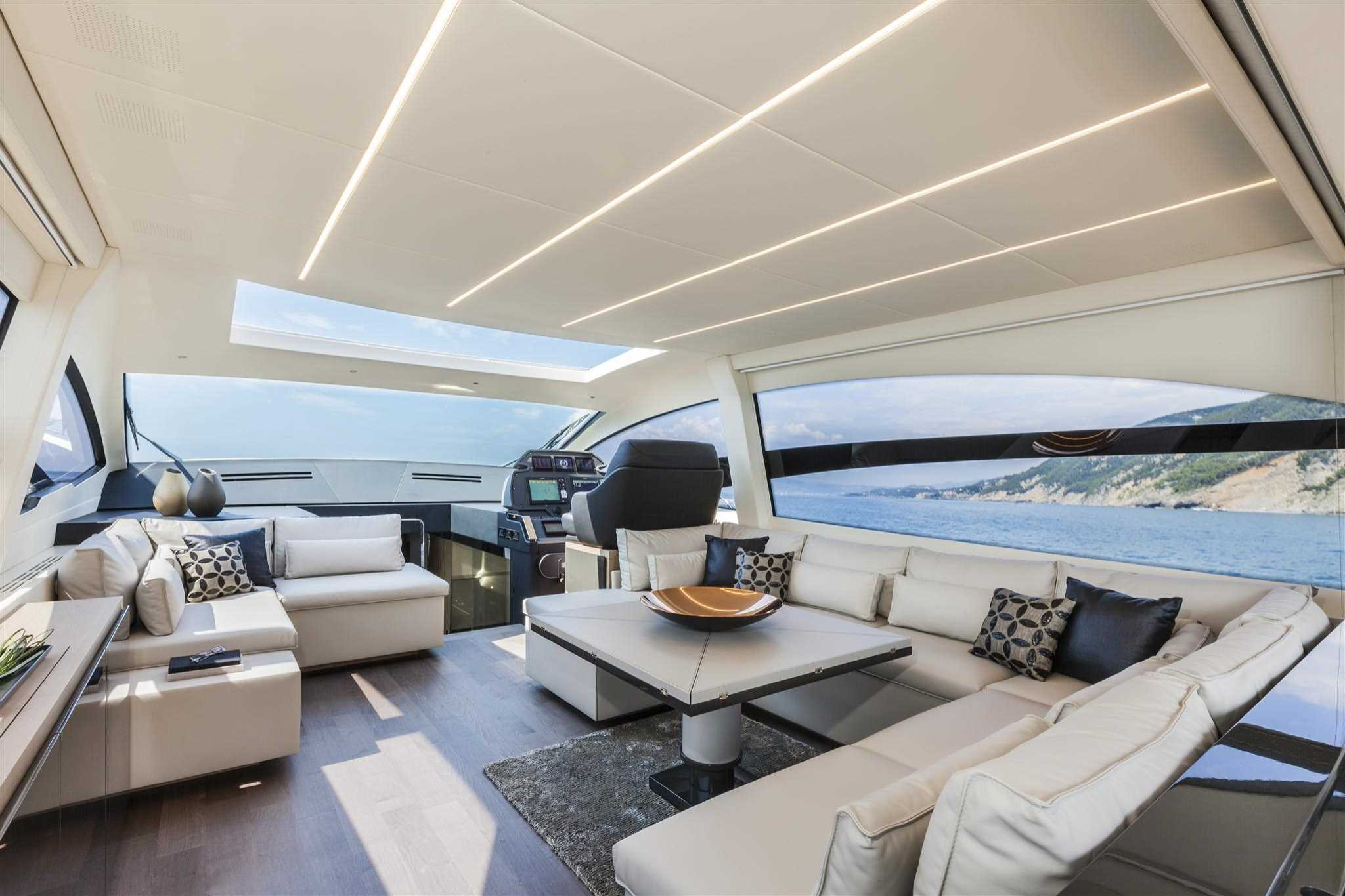 2018 Pershing 70 Luxury Yacht Salon