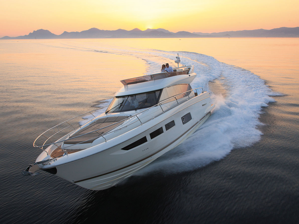 Prestige 550 Fly Luxury Yacht for sale in Newport Beach